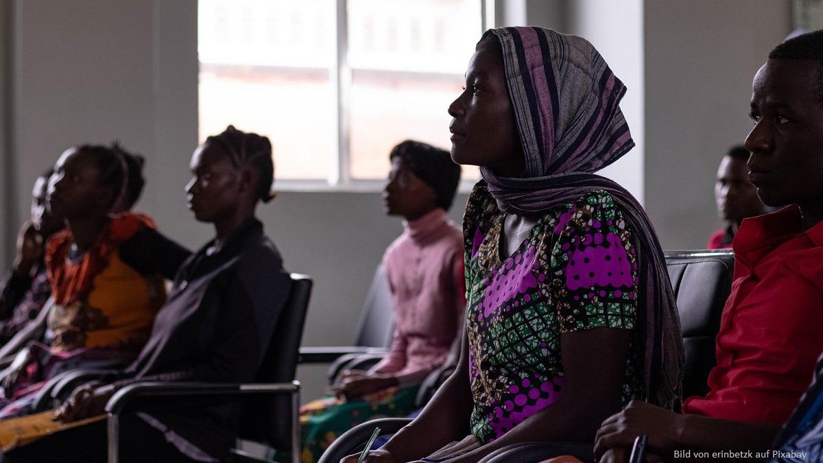 Dank Spenden und Patenschaften Menschen in Afrika ausbilden